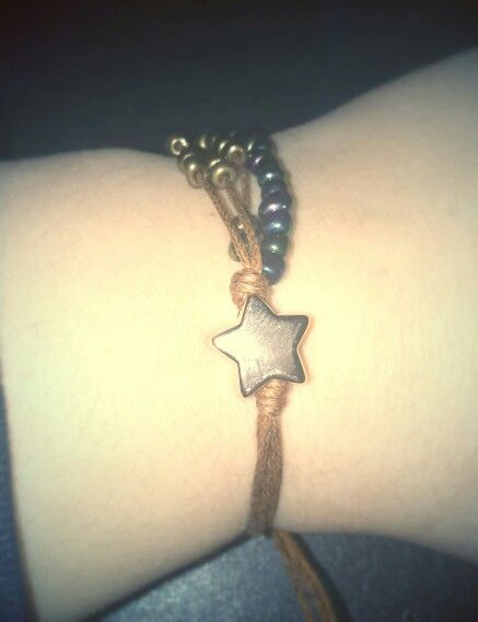Bracelet with seed beads and gold star