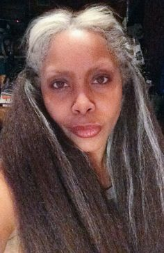 Erykah Badu Shares A Selfie Showing Off Her Lovely Grey Hair Read the article here - http://www.blackhairinformation.com/general-articles/celebrities/erykah-badu-shares-selfie-showing-off-lovely-grey-hair/