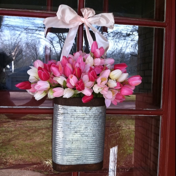 I have the world's best SIL. Tulips for my front door puts a spring in my step and a smile in my heart!