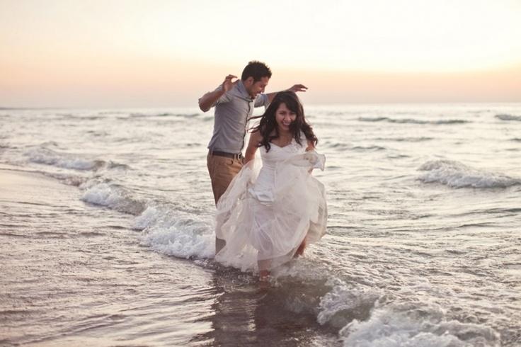 Beach Wedding Photos, Trash the Dress, Photography: www.ashleybiess.com