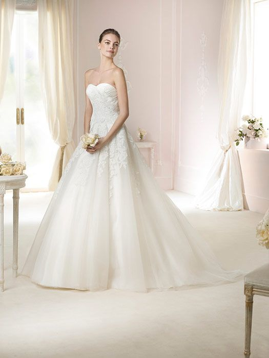 26 best mariée images on Pinterest   Wedding frocks, Homecoming ...