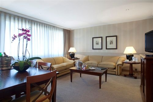 Hotel Husa Princesa -In the heart of Madrid, in a strategic area close to shops and the political and historical areas of the city, next to Gran Via, Plaza de Espana and the Royal Palace, you will find Hotel Husa Princesa, born of the merger of the Hotel Husa Princesa and Husa Moncloa.
