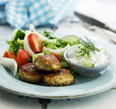 Dejlige græske frikadeller og tzatziki