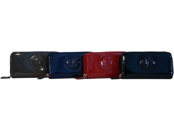 Portafogli Guido Vietri linea Apollonia modello grande. Li trovi in vendita nel nostro shop su Amazon.it: http://www.amazon.it/s/ref=sr_nr_p_4_1?me=AMVJO3UPU429R&fst=as%3Aoff&rh=p_4%3AGuido+Vietri&ie=UTF8&qid=1444567451