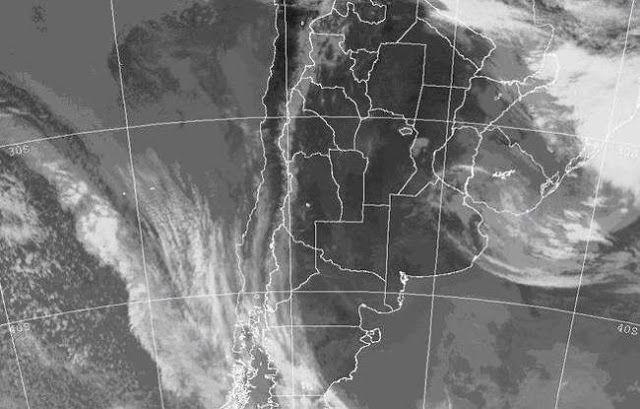 TANDIL: ADVIERTEN POR UN PELIGROSO FENOMENO METEOROLOGICO PARA EL FIN DE SEMANA      Tandil: Advierten por un peligroso fenómeno meteorológico para este fin de semanaLos modelos meteorológicos comenzaron a anticipar el inquietante fenómeno. Se trata de un patrón de posible ciclogénesis sobre la región central-este del país para el fin de semana próximo pudiendo afectar a toda la provincia de Buenos Aires el Litoral y Uruguay con lluvias y chaparrones. Una ciclogénesis es la formación de un…