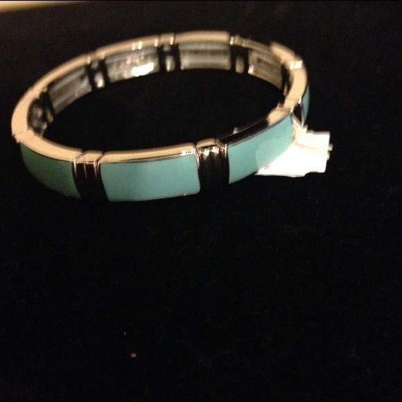 Adventura Lia Sophia bracelet Lia Sophia Aqua and silver  stretch bracelet Lia Sophia Jewelry Bracelets