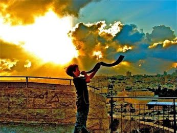 Shabbat is a time to tap into the spiritual side of life. #shabbat #jewish #judaism #jerusalem #shofar