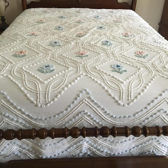 Vintage Bedspread, White Chenille With Pink and Blue Flowers, Double/Full Bed, Light Blue Puffs Form a Scalloped Design Along the Edges