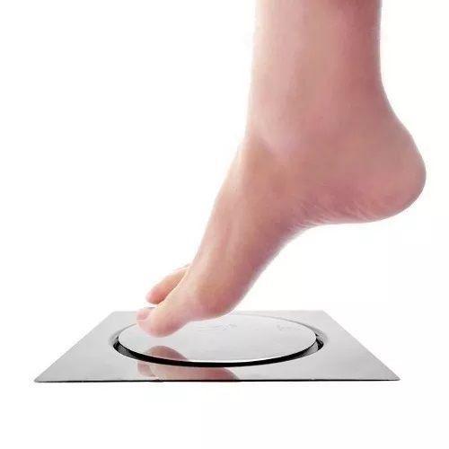 Ralo Inteligente - Sistema Click - 15cm x 15cm (basta pressionar com o pé para abrir e fechar) - Adrishop - Sua Loja de Variedades