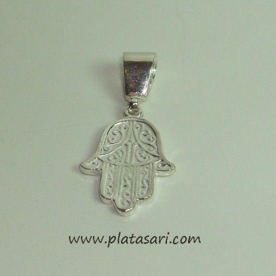 La Mano de Fátima (Khamsa) es un símbolo con forma de mano, considerado desde la antigüedad como un potentísimo talismán en el mundo árabe (que no islámico) y que se utiliza para protegerse de la desgracia en general y del mal de ojo en particular.