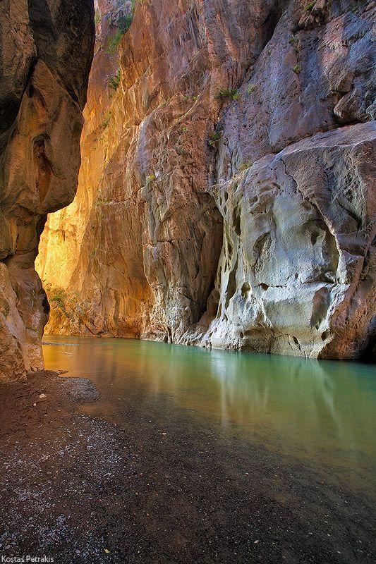 ✯ Canyon of Portitsa, Greece