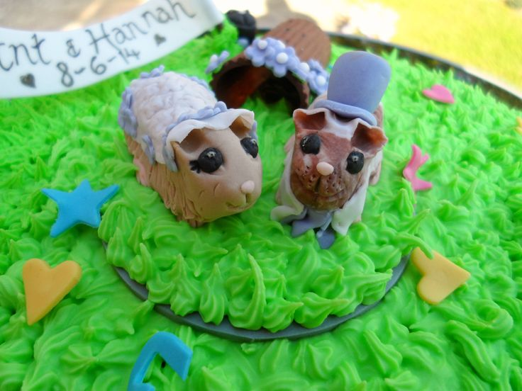 The piggie bride and groom