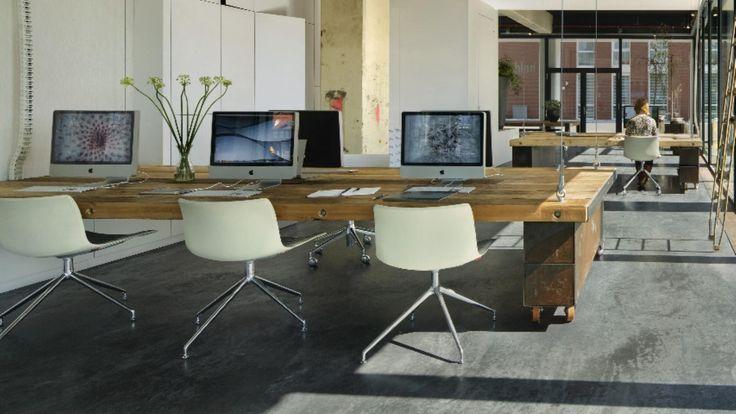Als de klok zes slaat, verdwijnen alle bureaus in dit Haarlemse kantoor - Motherboard