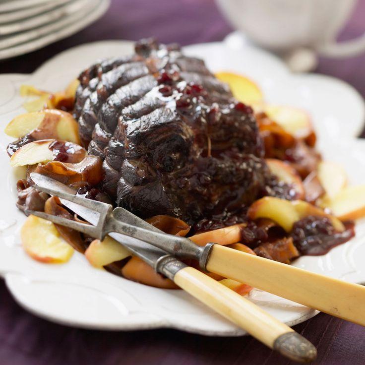 Découvrez la recette Rôti de chevreuil au four sur cuisineactuelle.fr.
