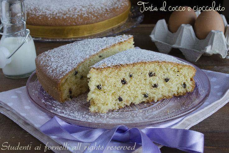 Torta cocco e cioccolato allo yogurt soffice e golosa http://blog.giallozafferano.it/studentiaifornelli/torta-cocco-e-cioccolato-allo-yogurt-soffice-e-golosa/