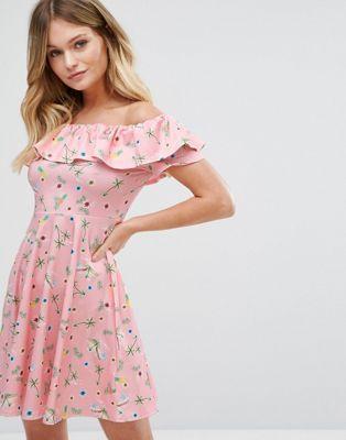 Платье с цветочным принтом и вырезом лодочкой New Look