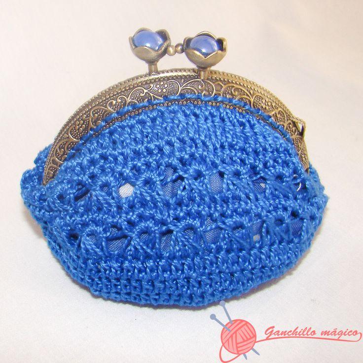 Monedero azul en ganchillo boquilla metalica monederos for Monedero ganchillo boquilla ovalada