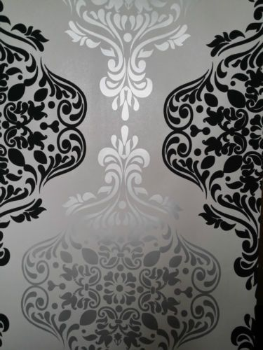 Luxury-Quality-Wallpaper-BLack-and-Silver-Grey-Damask-feature-wall-Designer (Ebay)