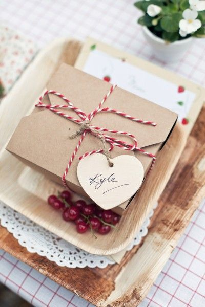 wedding guest gifts