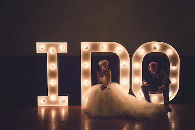 Amazing 'I Do' light up letters wedding sign / Babb Photo / Bridal Musings #greywedding #twobirds