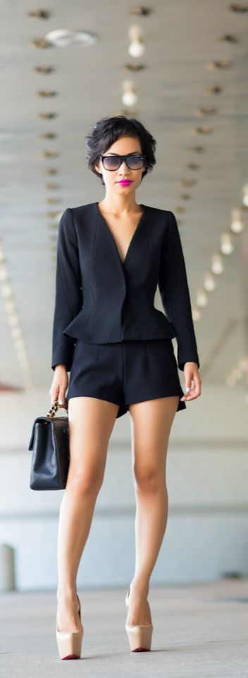 Love this even though these are shorts!  The nude Loubotins extend the leg.  Just love it. To complete this look would do a small quilted cross body bag with a chain link strap.