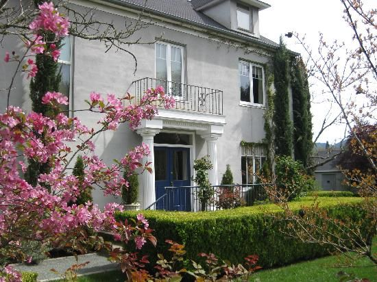 Chateau de Vie- the BEST Bed and Breakfast in Calistoga! Breakfasts to die for!