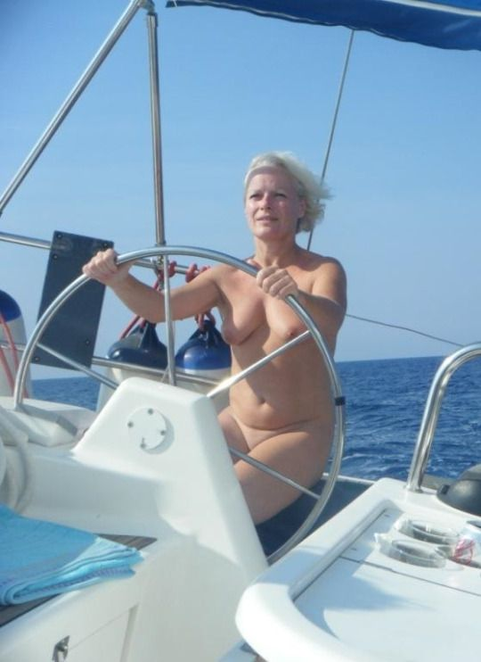 naked boating