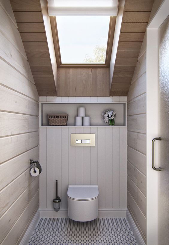 Toilettes sous combles avec velux