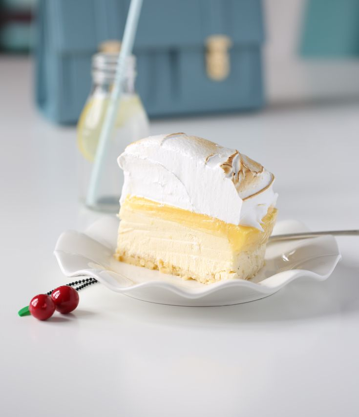 Denne ostekaken med sitron er fantastisk god. I tillegg er den så lett å lage at du garantert kommer til å lykkes.