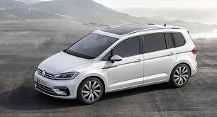 Volkswagen Touran na operativní leasing srovnává Leasni.cz