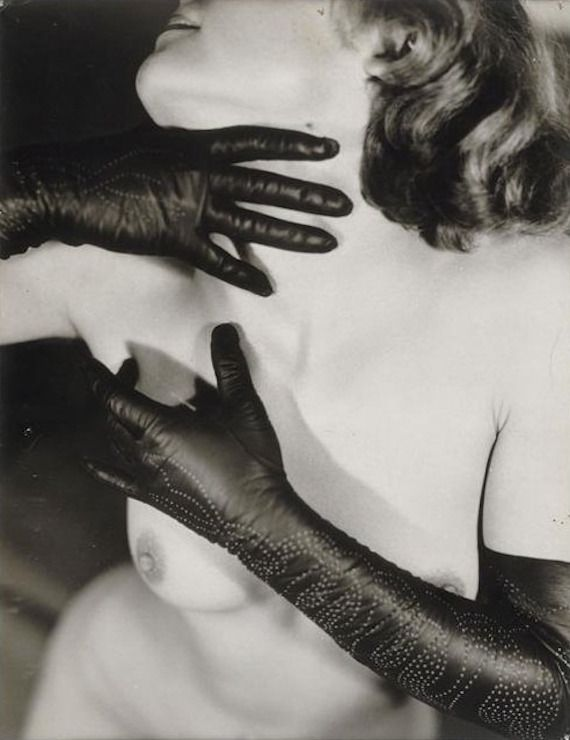 photo by Germaine Krull for Paul Poiret. Estate of Germaine Krull.