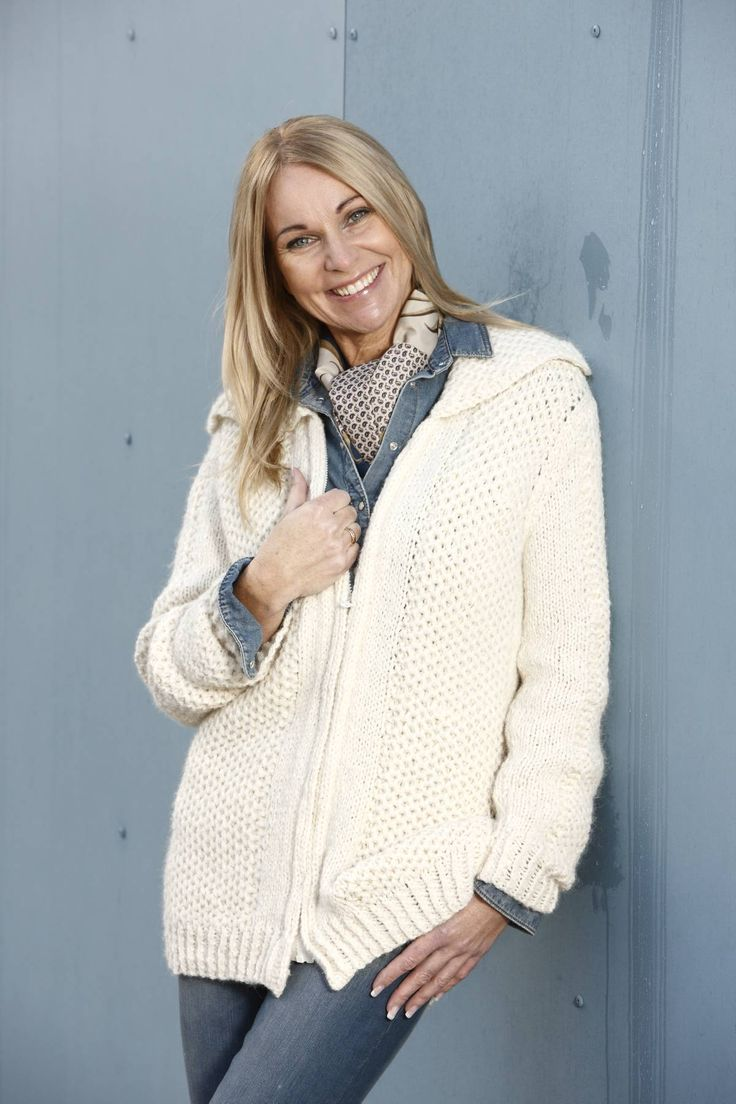 Jacket with zip knitted in Hexa by Du Store Alpakka.