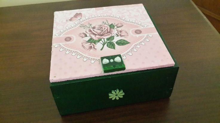 Pembe -yeşil kutu