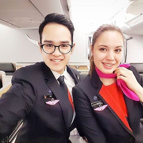 ours wings have gone #weflypink to support breast cancer awareness month.  #flightattendant #cabincrew #crewlife #crewfie #businessclass #airbus #a332 #avgeeks #saigonese #vietnamese #flywithdinh : @flywithdinh