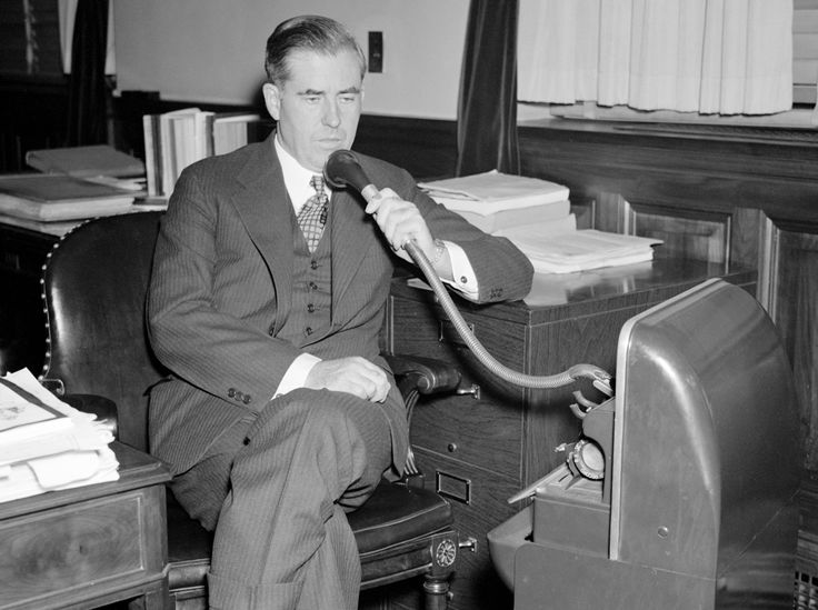 Henry A. Wallace U.S. Secretary of Agriculture using a Dictaphone September 20 1937 [3321x2481] http://ift.tt/2ia9mqD