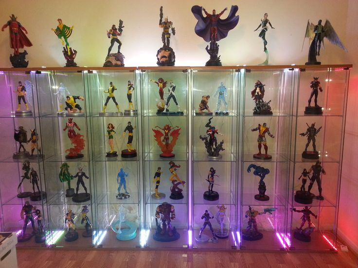 25 best ideas about comic book display on pinterest comic book rooms comic room and design - Comic book display shelves ...