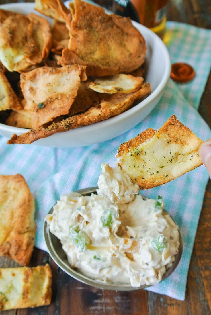 {ranch pita chips} a few simple steps to crispy home-baked pita chips!    _