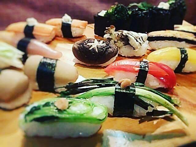 いいね!8件、コメント1件 ― 立川入船茶屋さん(@irifunecyaya)のInstagramアカウント: 「野菜のお寿司を握ってみました。 ベジタリアンさんからのオーダーです。  #立川 #立川寿司 入船茶屋  #立川宅配すし #宅配ずし  #寿司 #お寿司 #お寿司好き #お寿司大好き #日本の料理…」