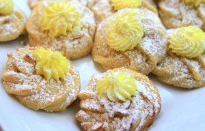 Lemon Butter Cookies with Lemon FrostingLemon Frostings, Holiday Cookies, Butter Cookies, Meghan Lemon, Cookies Heavens, Food Cookies, Lemon Cookies, Cooking Recipes, Cookies Lemon Butter