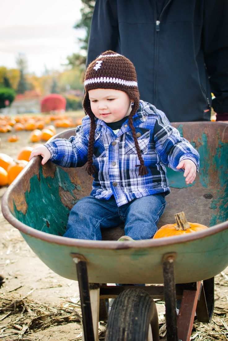 Photograph toddlers photography tips for a less stressful session. Toddler photography tips that are easy but effective. Take great photos of your toddler. #photography #tips #kids