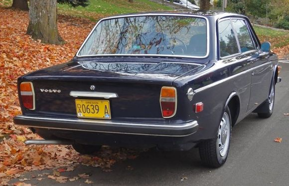 1971 Volvo 142S Familiar looking car, mine was gray, painted it navy.