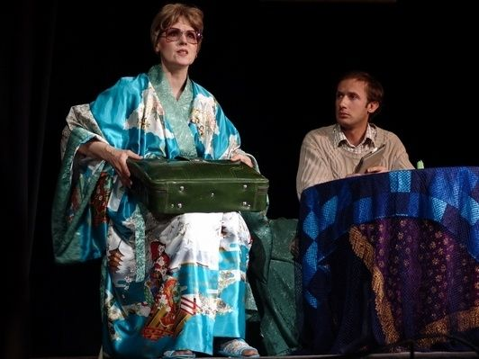 15 июня в ДК Выборгский состоялась театральная сказка для взрослых по пьесе Б.Рацера и В.Константинова «Виновник торжества». В апреле 2017 года спектакль отметил десятилетний юбилей.