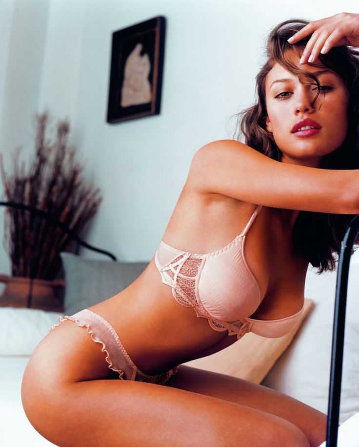 Pin on Hot Brunettes