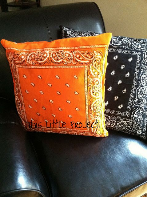 Throw pillows from bandanas.  Inexpensive way to change out pillows for holidays.  I like.  From This Little Project.
