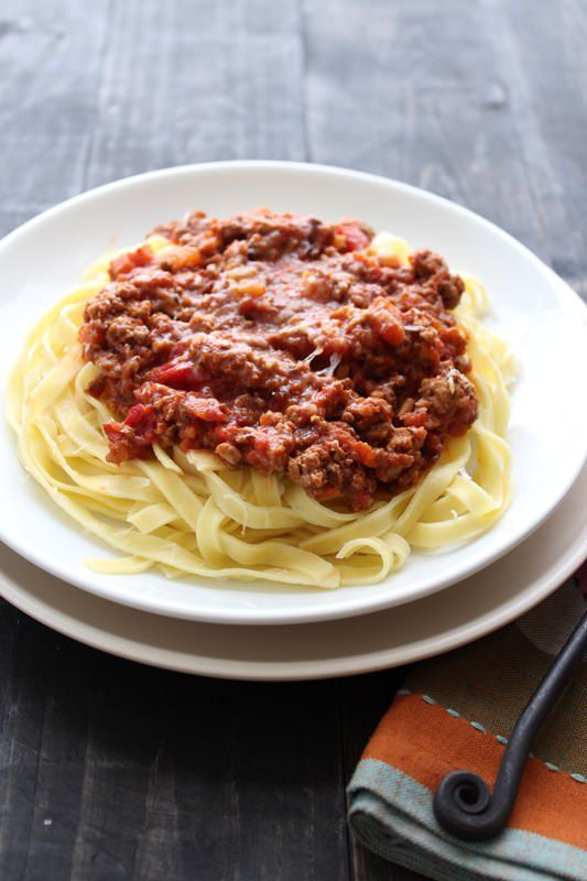 This recipe makes the best bolognese sauce, it's hearty and brimming with savory flavors.