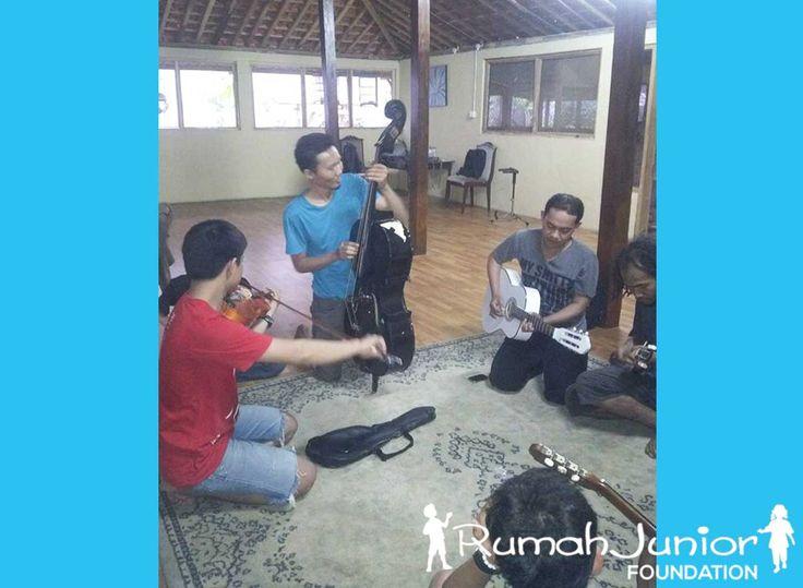 Kegiatan Sanggar Tari, Vokal, Musik dan Seni di Rumah Junior Lenteng Agung  #rumahjunior #education #Socialeducation #rumahjuniorfoundation #Jakarta #Indonesia #pendidikan #RJ