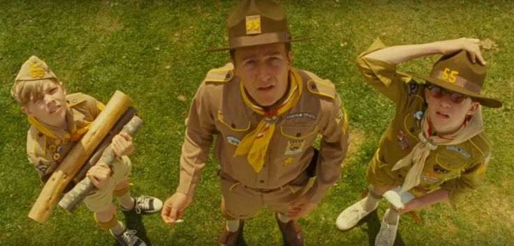 "One principle of design, used in an original way, have become more of a trademark of the american director. Wes Anderson loves that top-down take, the Plongée, or ""dip"" in French. #wesanderson #moonrisekingdom #plongee"