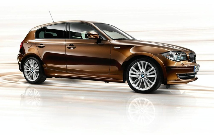 """BMW 116i Sport.Aggressive, elegant, and compact """"… the word is fairly represents the third figure of the BMW 116i sport that comes from family-1 Series hatchback with a line up as the successor generation 2nya."""