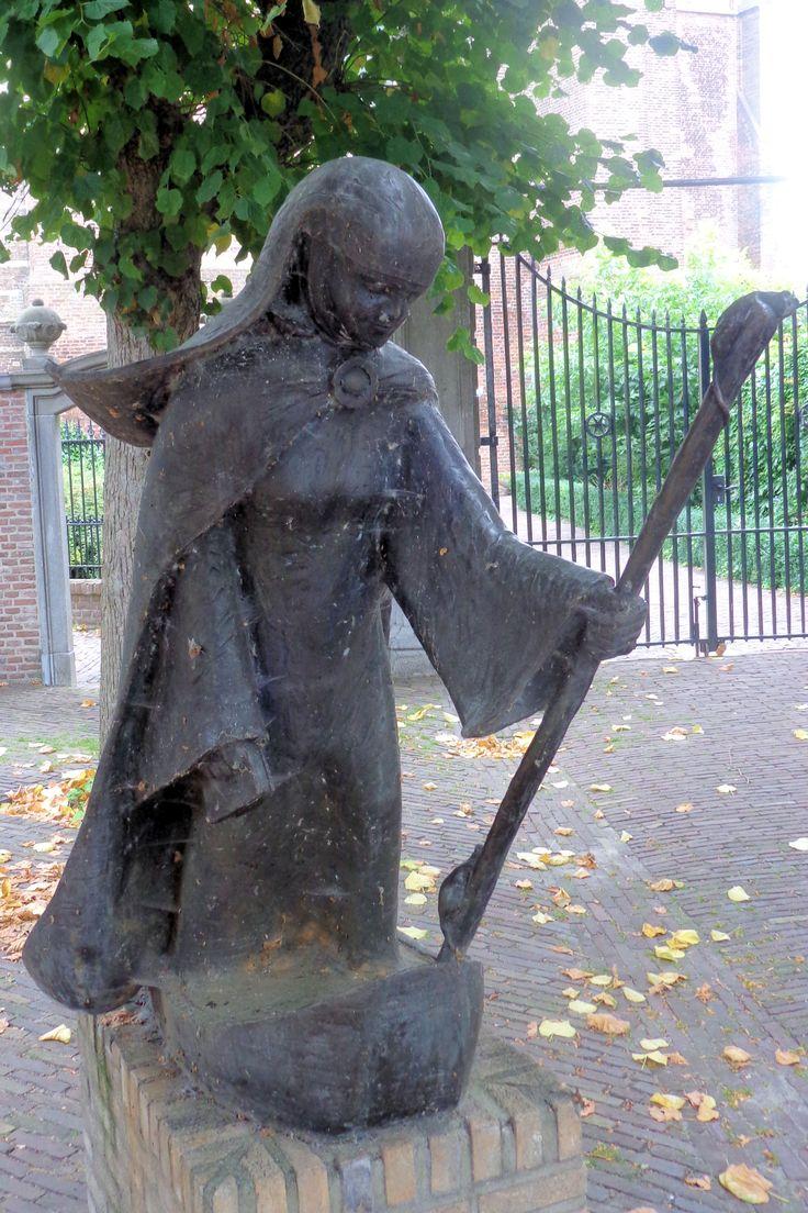 Sint Gertrudis, Geertruidenberg.