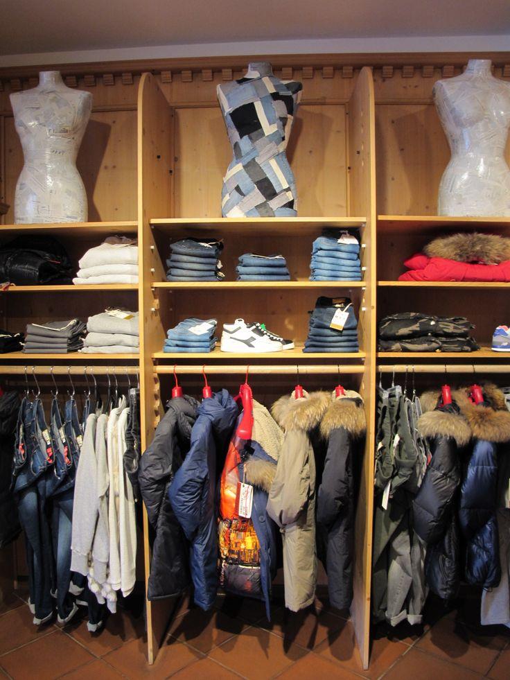 """A volte siamo tecnici, a volte fashion ma non possiamo dimenticare la nostra vera anima che è quella dello sportswear...Oggi per voi donne qualche proposta """"delle nostre""""...prodotti facili, immediati, divertenti, pronti all'uso e all'acquisto naturalmente! #nuoviarrivi #fw1617 #ladinsport #LSF"""